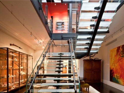 mansion-loft-gallery-space-glass-staircase-4-600x450