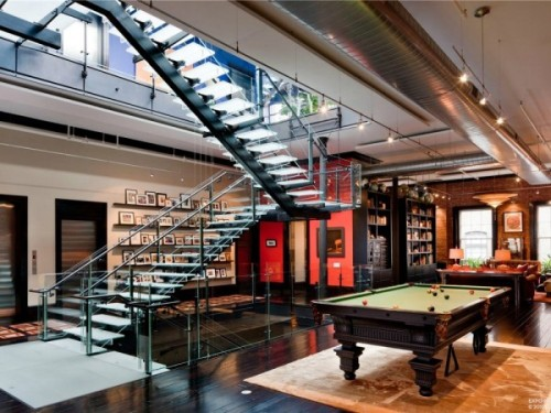 mansion-loft-gaming-living-space-3-600x450