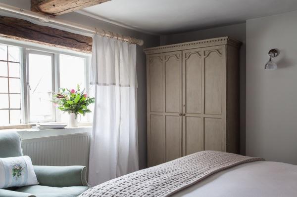 the-lion-inn-bedroom-3
