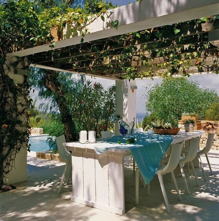 Comedor-de-verano-casa-Ibiza-home-alfresco