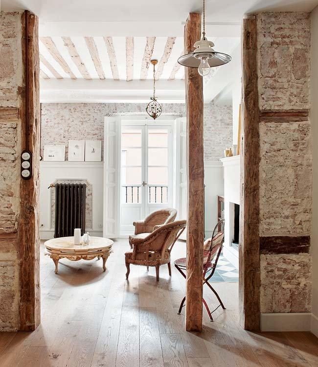 estructuras-a-la-vista-y-muebles-retro-aportan-un-aire-amable-y-chic_ampliacion
