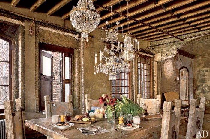 item5.size.0.0.gerard-butler-05-dining-room