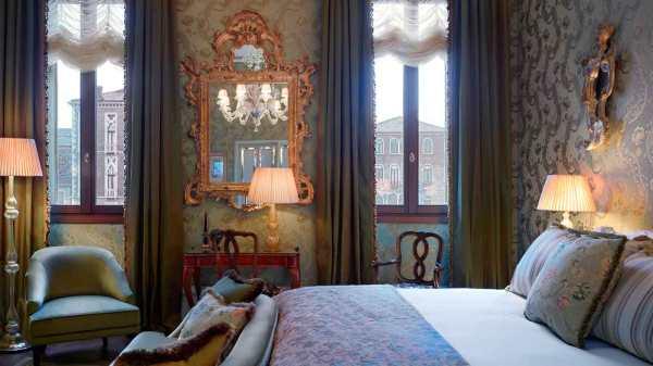 Landmark_Grand_Canal_Room