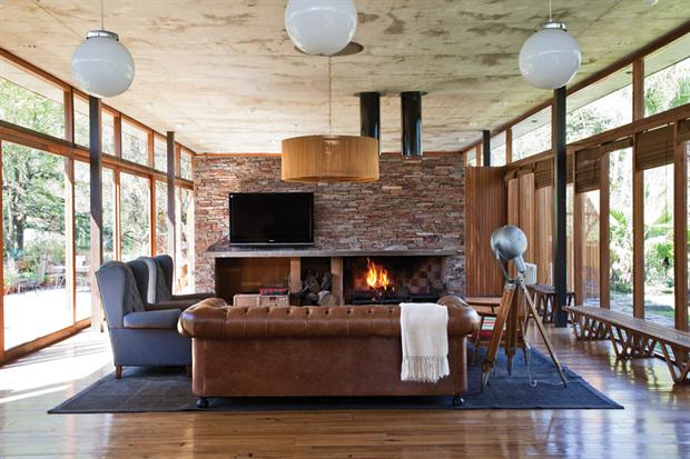 Moderno e antigo misturados nuno almeida for Sillones rusticos para living