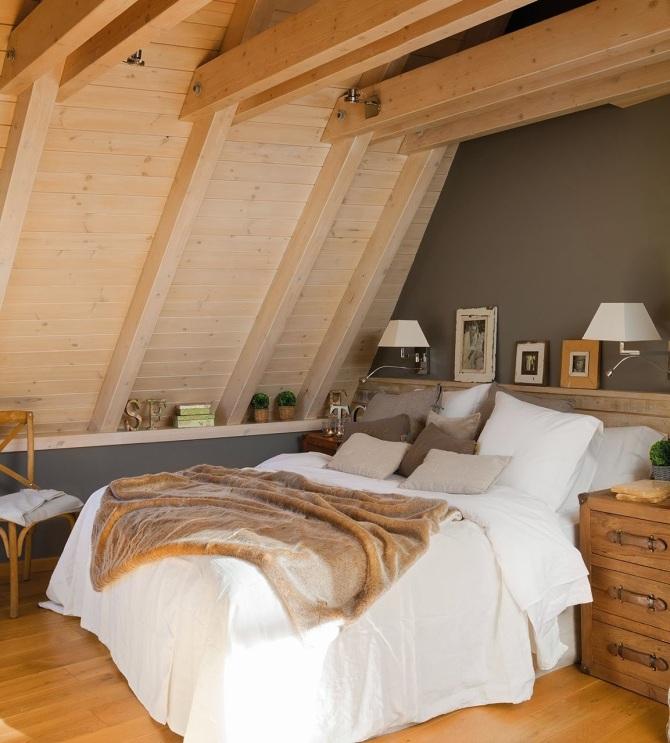 dormitorio_con_techo_abovedado_de_madera_de_pino_y_pared_gris_1153x1280