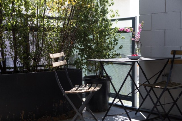 Joan-McNamara-LA-loft-balcony-ljoliet-Remodelista