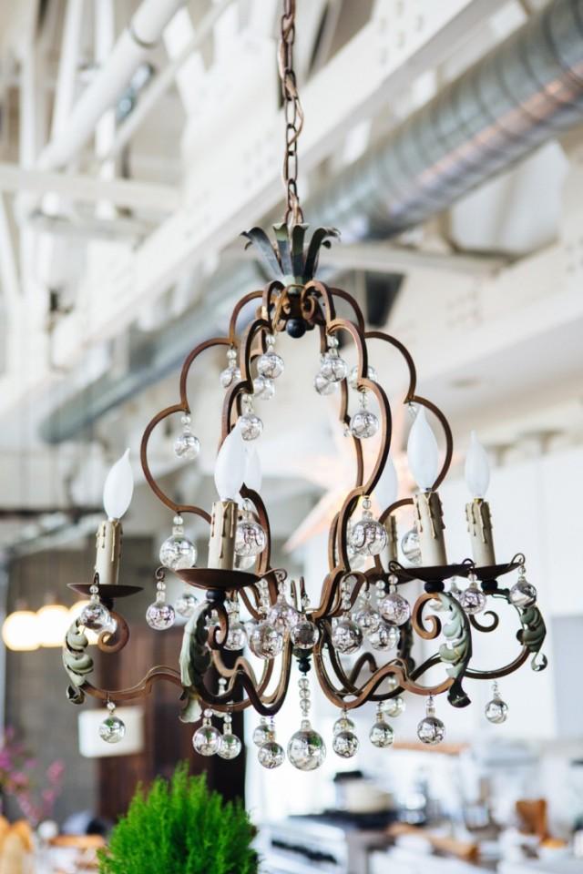 Joan-McNamara-LA-loft-chandelier-ljoliet-Remodelista
