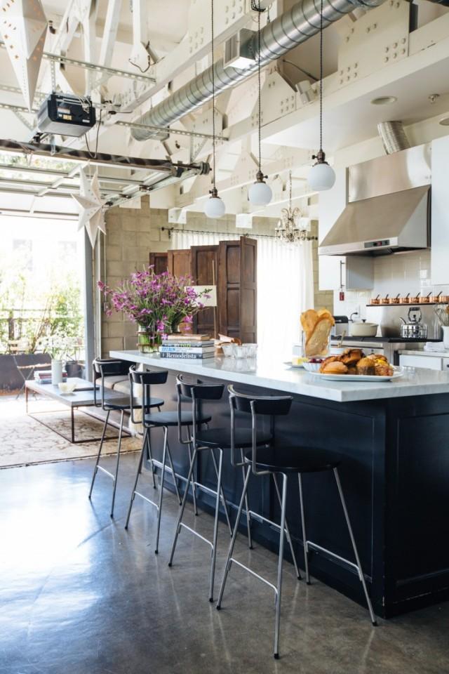 Joan-McNamara-LA-loft-kitchen-counter-ljoliet-Remodelista