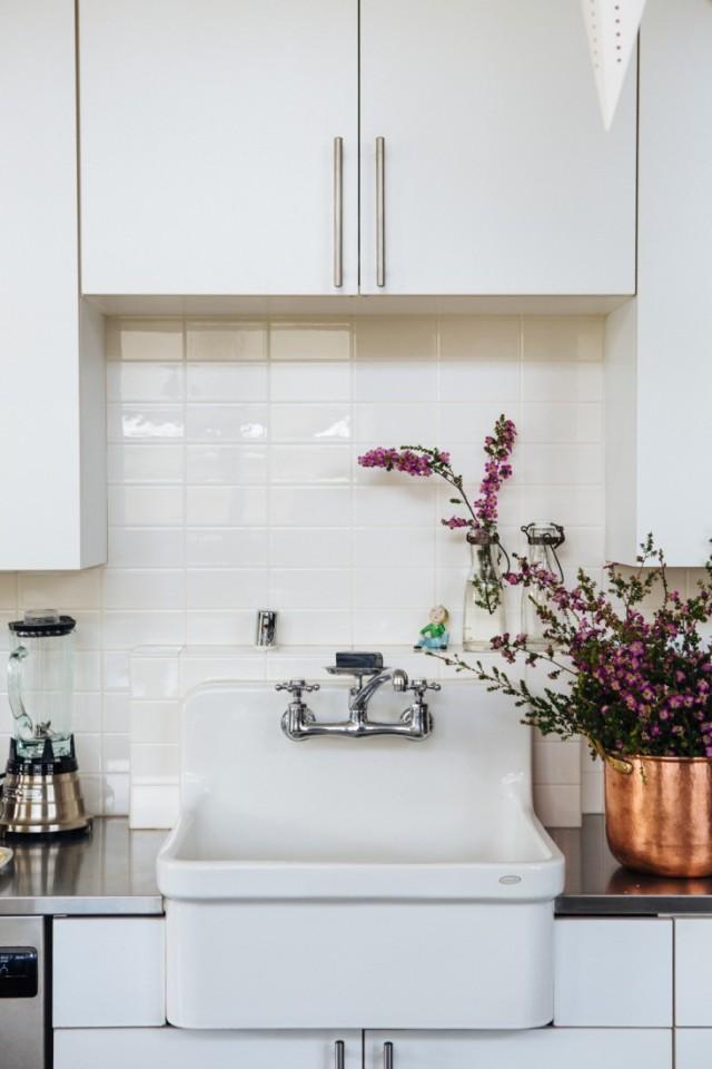 Joan-McNamara-LA-loft-kitchen-sink-ljoliet-Remodelista