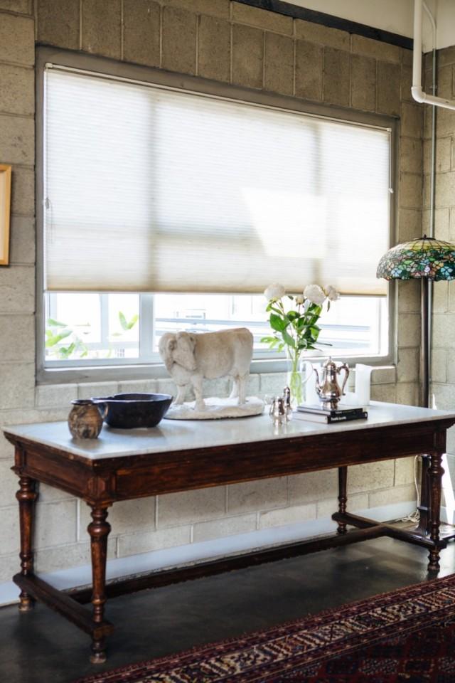 Joan-McNamara-LA-Loft-marble-top-table-ljoliet-Remodelista