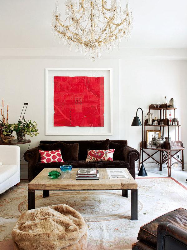 oasis mobiliario jardim:Sobre o tapete Basarabian, a sala de estar. Quadro, comprado em Luzio