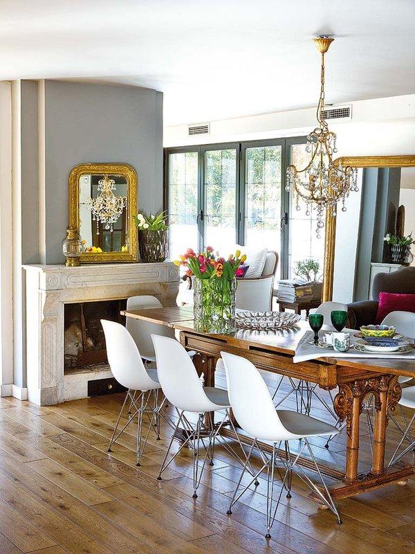 Uma casa iluminada nuno almeida for Sillas clasicas modernas
