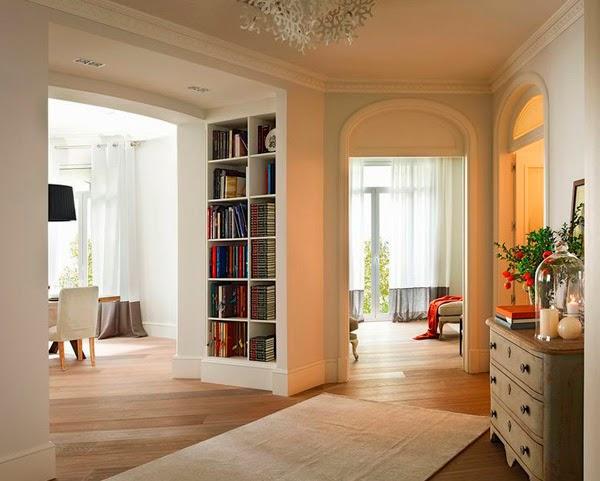 stylish-apartment-in-Barcelona-hallway2