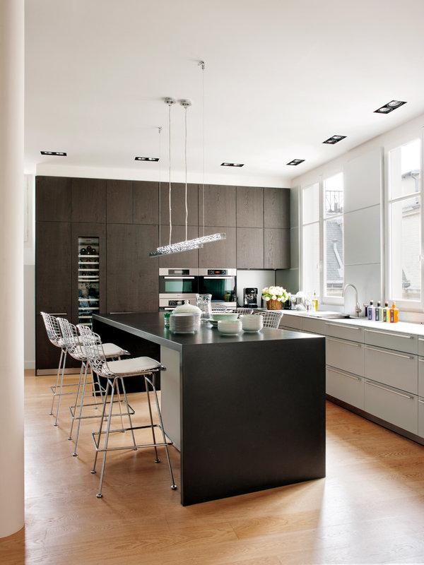 cocina-elegancia-sobria-!y-muy-funcional_ampliacion