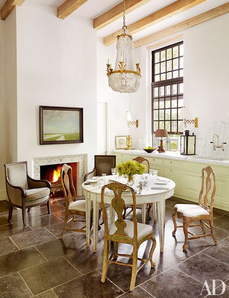 item9.rendition.slideshowVertical.baton-rouge-louisiana-home-17-kitchen-table