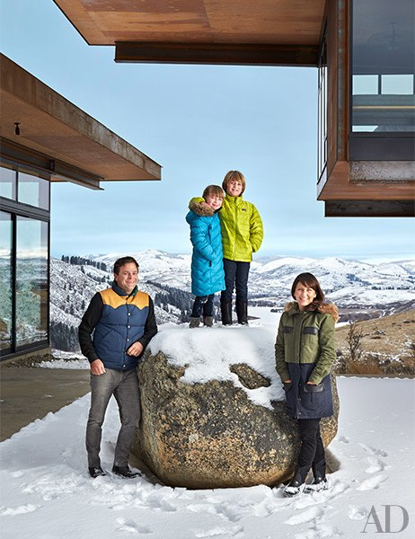 item0.rendition.slideshowVertical.olson-kundig-architects-achison-cascade-mountain-home-01-wm