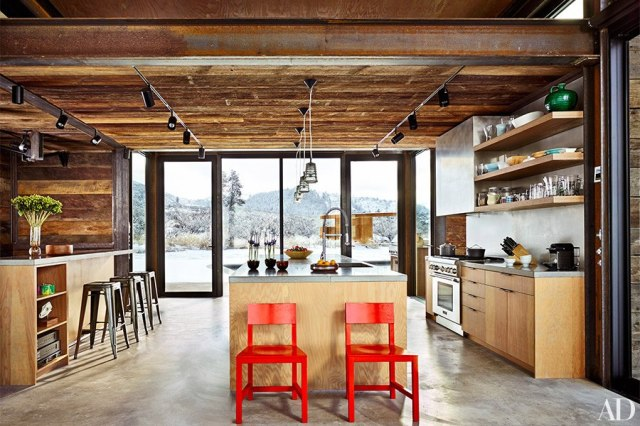item3.rendition.slideshowHorizontal.olson-kundig-architects-achison-cascade-mountain-home-06-wm-kitchen
