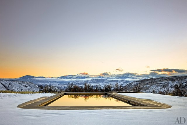 item6.rendition.slideshowHorizontal.olson-kundig-architects-achison-cascade-mountain-home-07-pool-wm