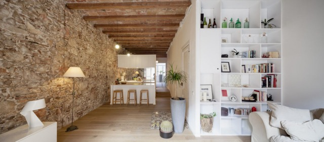 Les-Corts-Stone-Wall-Apartment_7