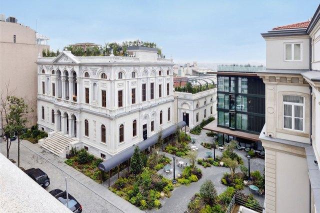 soho-house-istanbul-08-960x640