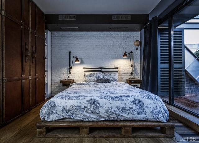 Spectacular-Small-Attic-Apartment-18
