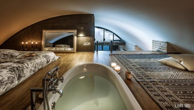 Spectacular-Small-Attic-Apartment-27