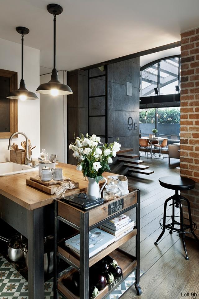Spectacular-Small-Attic-Apartment-5
