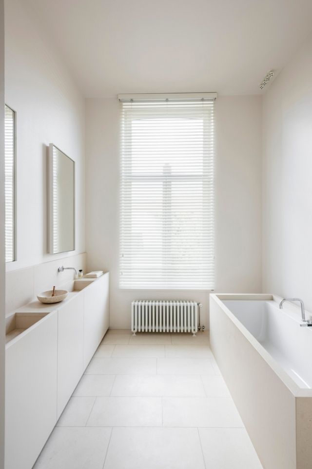 ivory-minimal-bathroom