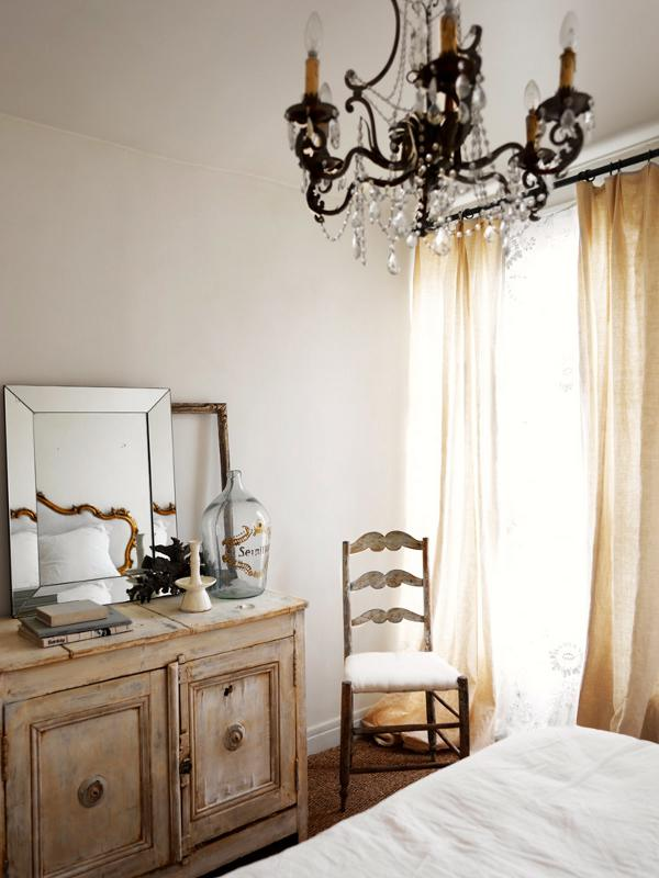 Parisian-Apartment-Marianne-Tiegen-13-1-Kindesign