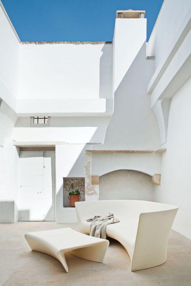 palomba-courtyard-1
