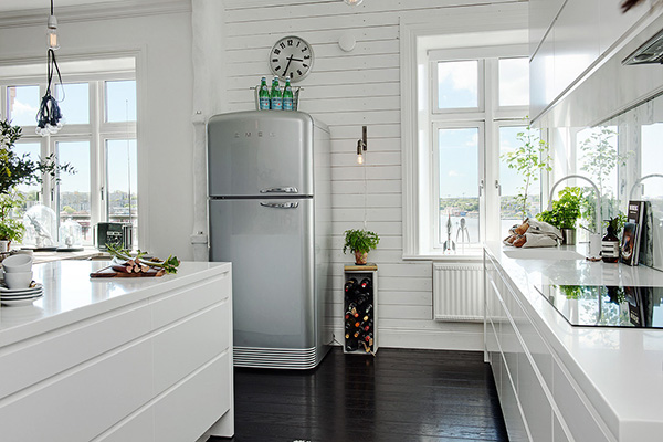 Stylish-Renovated-Apartment-Sweden-07-1-Kindesign