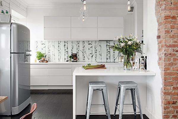 Stylish-Renovated-Apartment-Sweden-10-1-Kindesign