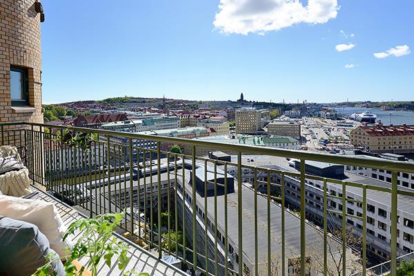 Stylish-Renovated-Apartment-Sweden-19-1-Kindesign