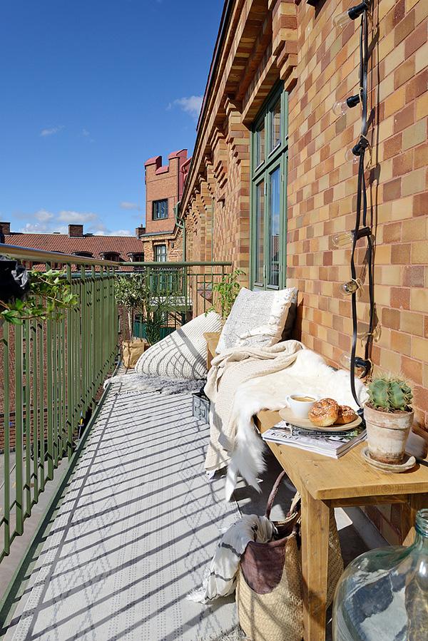 Stylish-Renovated-Apartment-Sweden-20-1-Kindesign