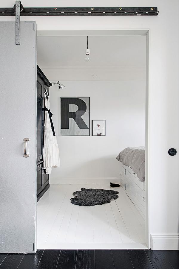 Stylish-Renovated-Apartment-Sweden-24-1-Kindesign