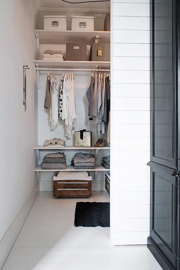 Stylish-Renovated-Apartment-Sweden-29-1-Kindesign