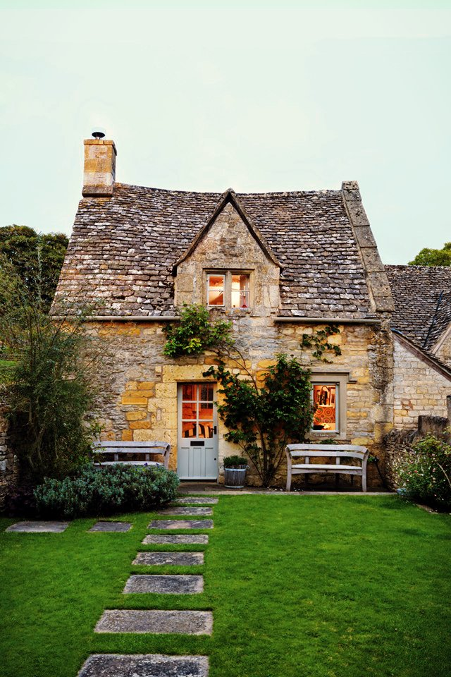 AD-18th-Century-Cottage-In-The-Cotswolds-01