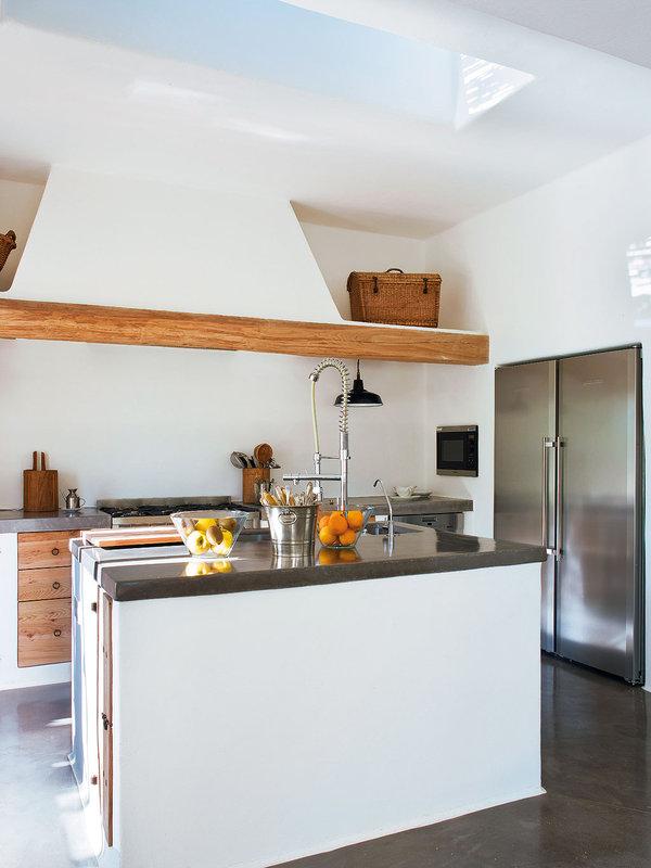 cocina-rustica-y-funcional_ampliacion