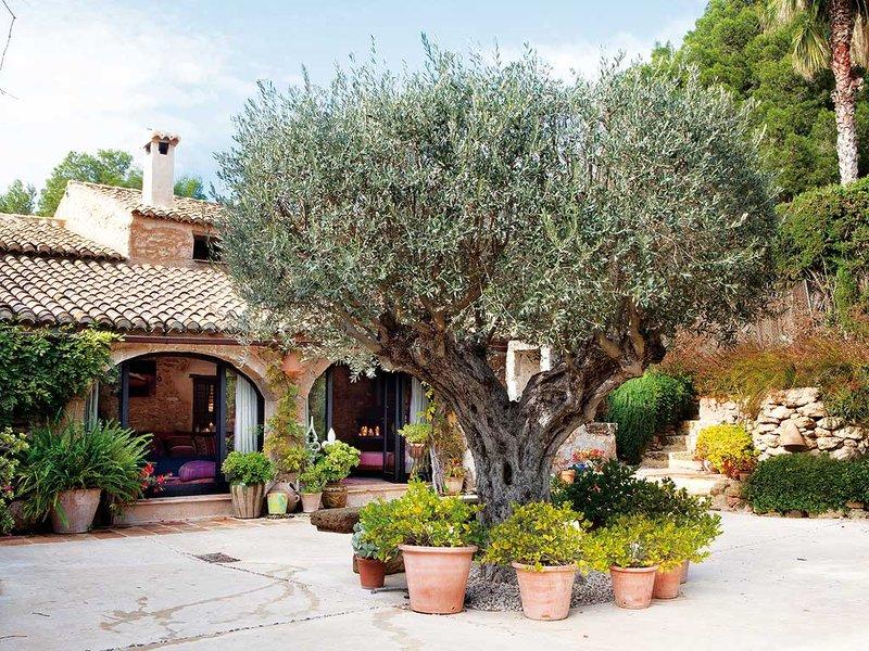 Casa de fazenda nuno almeida for Casa campo y jardin