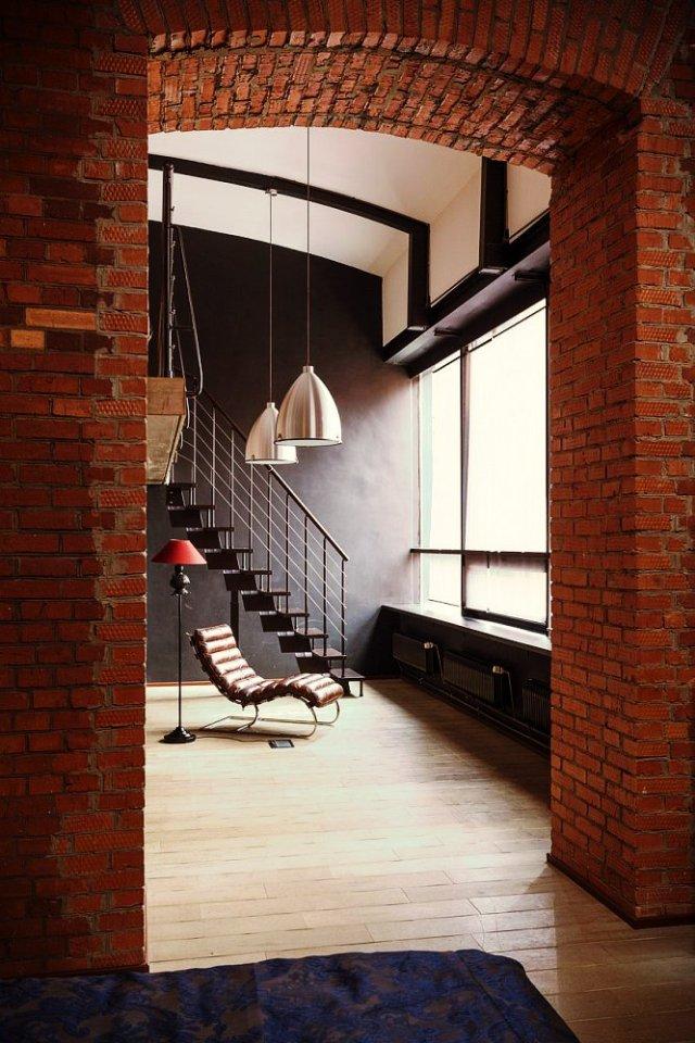 loft-s-kirpichnymi-stenami-v-moskve-12