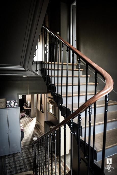 em estilo mansart nuno almeida. Black Bedroom Furniture Sets. Home Design Ideas