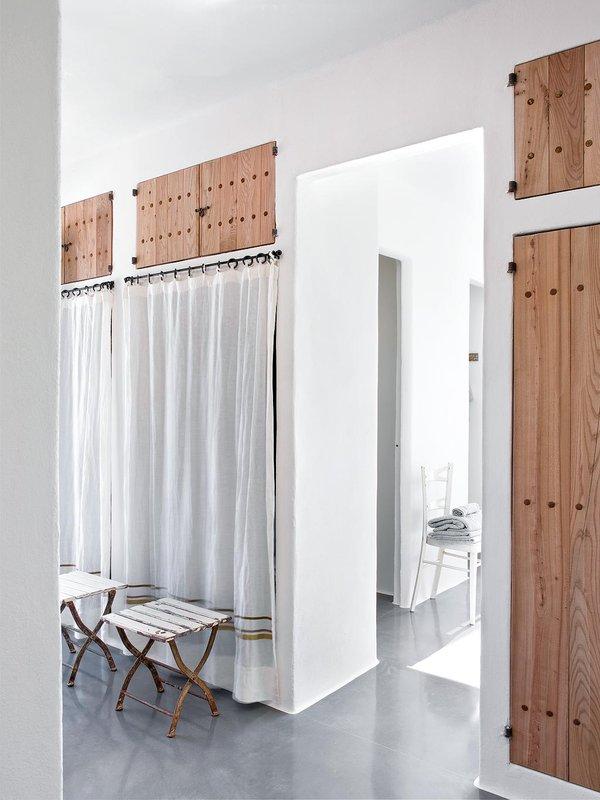 vestidor-en-blanco-y-madera_ampliacion