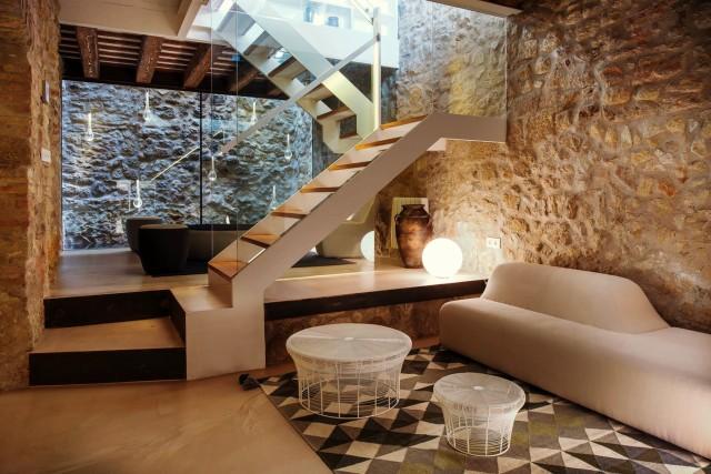 Moderna casa de pedra nuno almeida for Como reformar una casa de pueblo